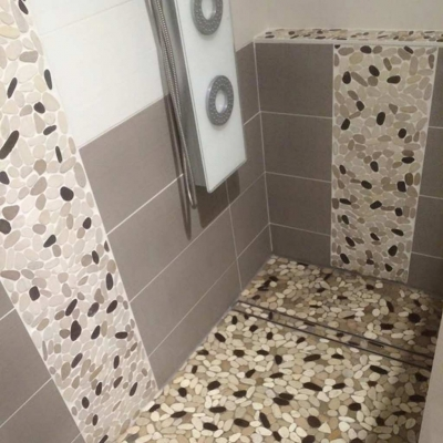 douche-italienne-galet-cf-carrelage